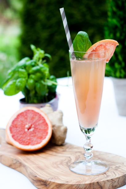 grapefruit champagne spritzer with ginger and basil